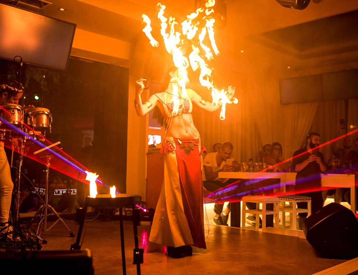 Огнено шоу с пой